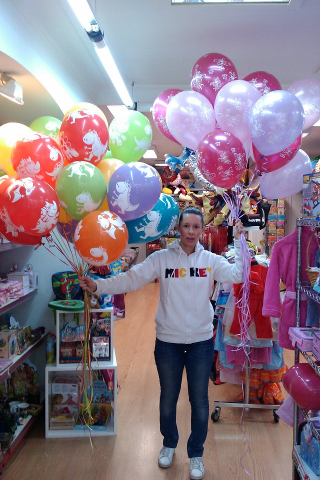 Decoraci n profesional en globos para aniversaios for Decoracion de farmacias